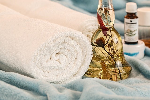 bílý ručník