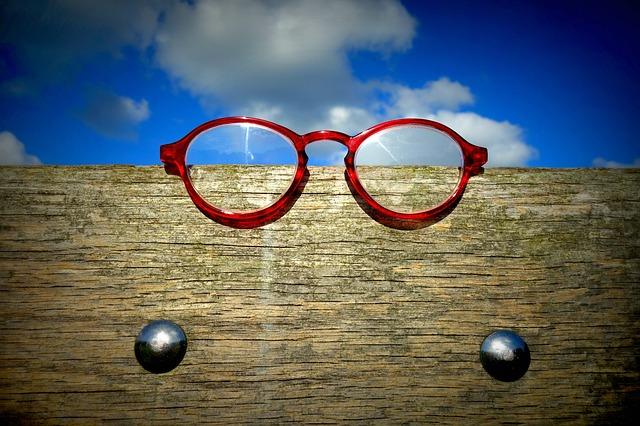 červené brýle.jpg